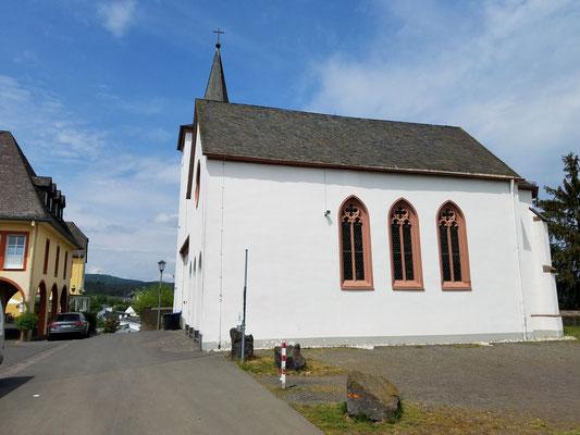 ev. Kirche innerhalb der Umfassungsmauer