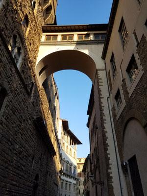 Teil des Vasarikorridors, der den Palazzo Vecchio mit den Uffizien verbindet