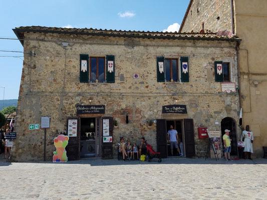 Alte Häuser, aber touristisch