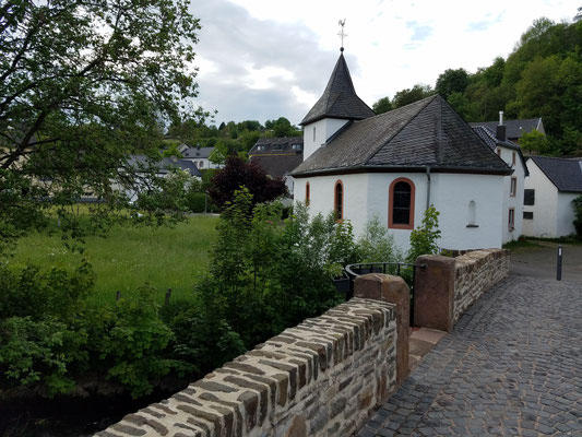 Kapelle und Brücke stammen aus der gleichen Zeit