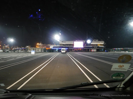 Wartespur Nr. 27 am noch sehr leeren DFDS-Hafen