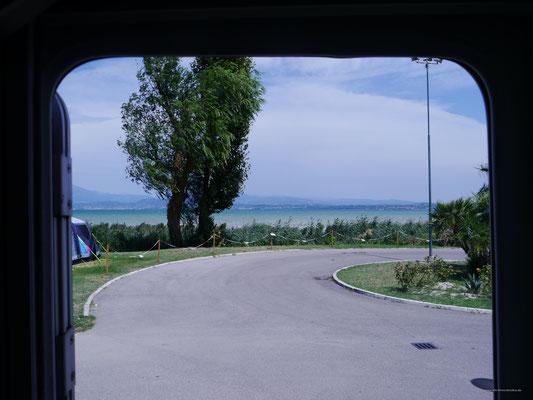 Aussicht aus der Womo-Tür