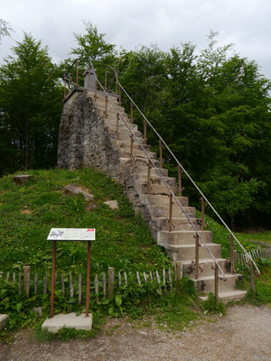 Baltia-Hügel mit Treppe