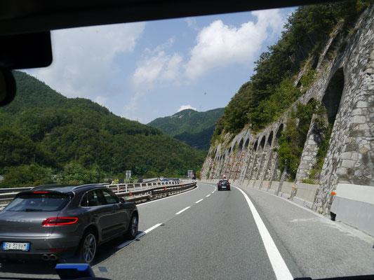 Autostrada A 7 Richtung Mailand