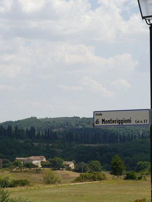 Straßenschild Monteriggioni