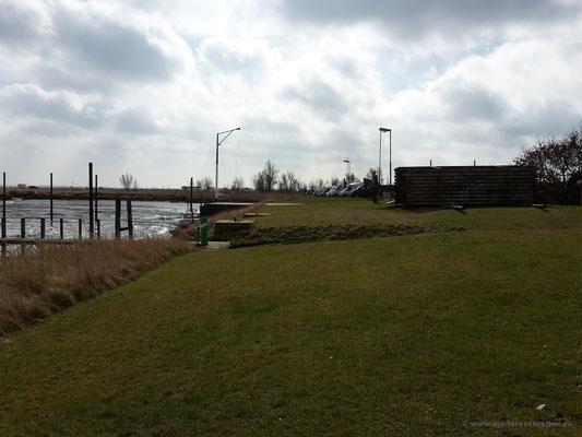 Blick zurück auf den Stellplatz des Butjadinger Yachtclubs