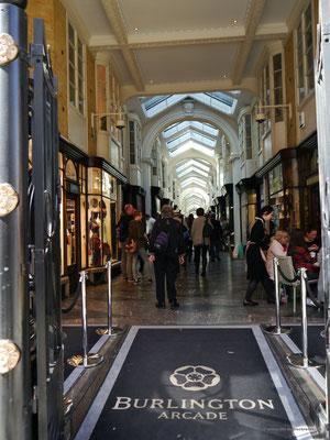 In der Burlington Arcade, exklusive Ausstattung, exklusive Preise