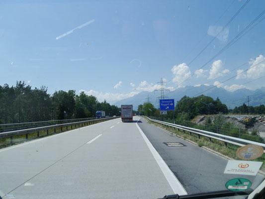Abstecher von der A13 nach Liechtenstein bei Ruggell