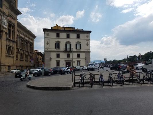 ... am Piazza dei Cavalleggeri