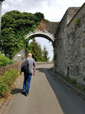 Aufgang zur Burgruine
