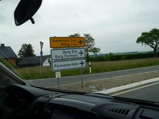 Hinweisschild Burg Eltz