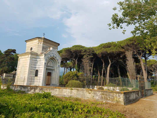 """Mausoleum"""