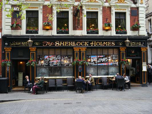 ... zu Schauplätzen Sherlocks