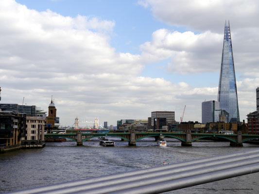 Blick von der Millennium-Bridge aus
