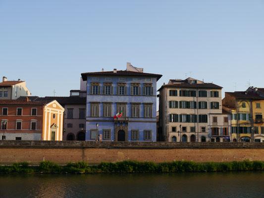 bunte Häuser, italiensische Flagge
