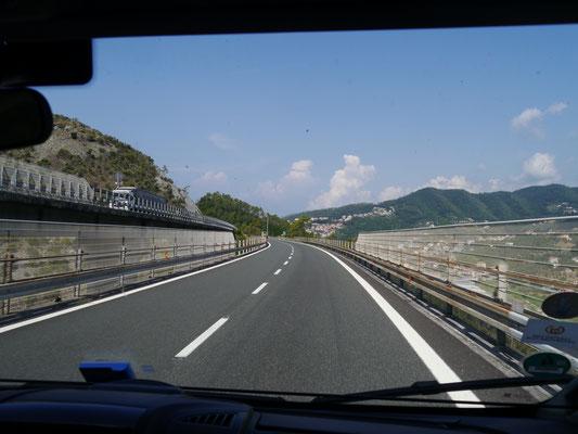 Autobahn Richtung Genua