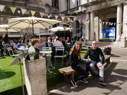 Warten auf's Essen am Cambridge House, Piccadilly