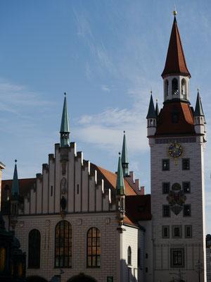 Altes Rathaus mit Spielzeugmuseum im Glockenturm
