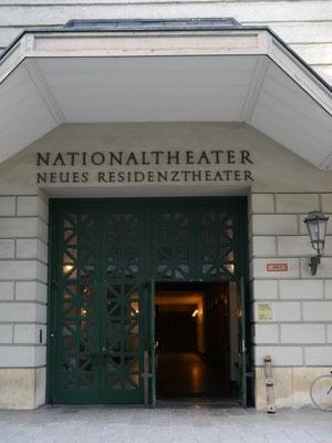 Eingang Nationaltheater
