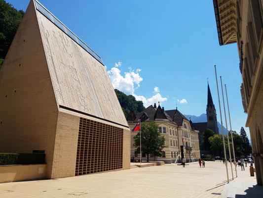 Landtag, Regierungsgebäude, St. Florin