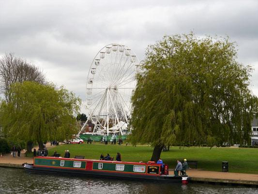 Großzügige Grünanlagen im Zentrum von Stratford
