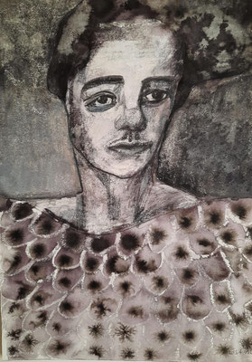 Frau mit Pfauenkleid 21 x 29,7 cm Mischtechnik/Tusche/Wachs/Graphit