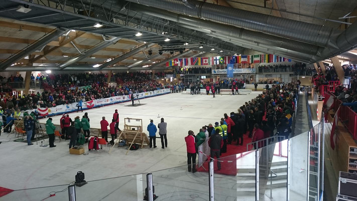 Volles Stadion in Amstetten