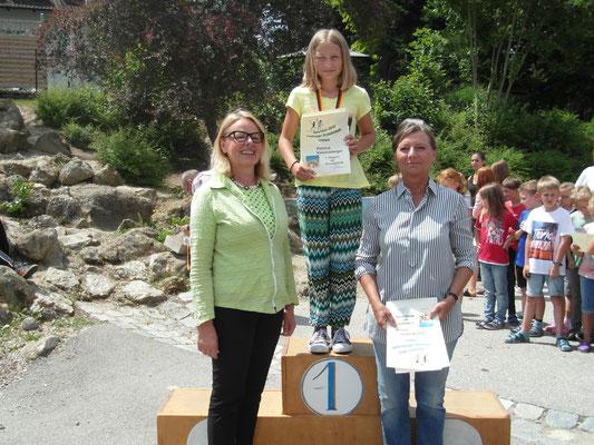 Schulsieger der Mädchen Grundschule: Patricia Kaisersberger (3a), Anja Mayer (4a), Flora Faragó (4a)