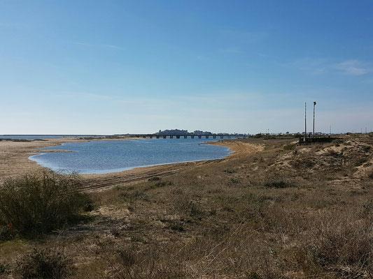 - Laguna bei Flut voll Wasser