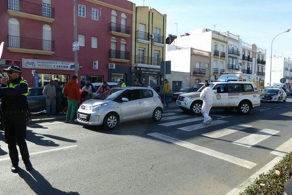 - der Verkehr musste umgeleitet werden