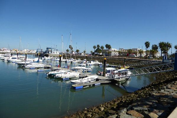 - Yachthafen Isla Canela