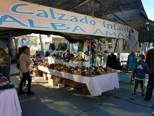 - ein sonniger Markttag
