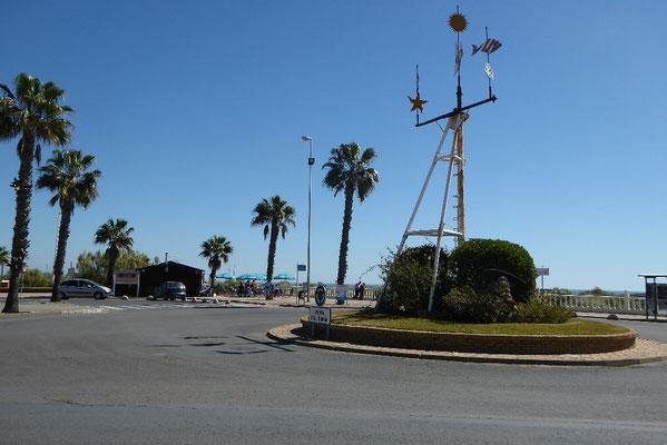-Kreisverkehr und Kiosk | Lagune
