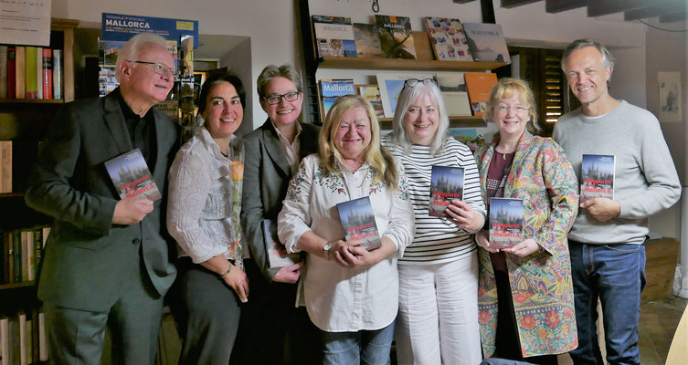 Bruno Woda, Gastgeberin Diana Müller, Brigitte Lamberts, Ursula Schmid-Spreer, Anette Schwohl, Hedy Loewe, Jan Lammers (v.l.n.r.)