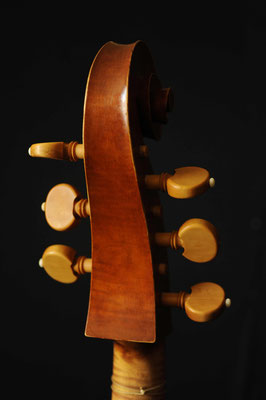 pegbox and scroll Maggini violone - violworks
