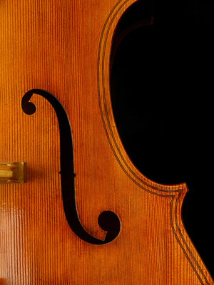 sound hole detail Maggini violone - violworks