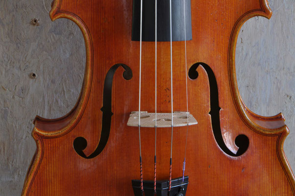 Strad violin, soundhole detail - violworks