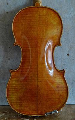 Strad violin, 2 piece back - violworks
