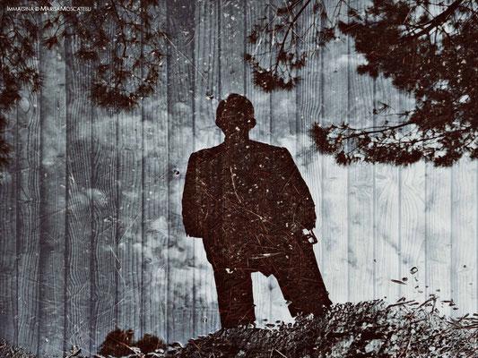 Il limbo - Un ombra tempestata di fori e segni che poggia su di un suolo che il fruitore osserva dal basso verso l'alto, sembra personificare l'angelo custode del nostro esistere.