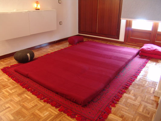 Sala preparada para sesión de masaje shiatsu