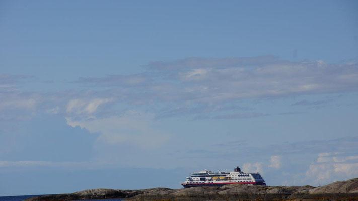Hurtigruten on the rocks