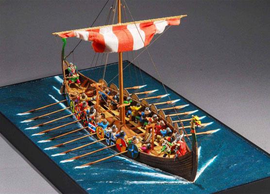 32-28 バイキング船 Viking Ship  年代:10世紀  製作者:    安藤雅浩  製作期間:  1年  ジオラマ