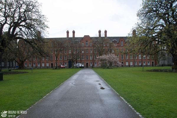 Trinity College| Aroundtheworldstepbystep.com