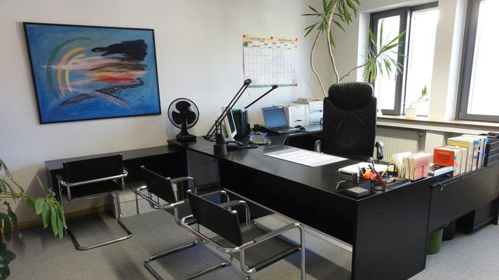 Arbeits- und Besprechungszimmer von einem Rechtsanwalt