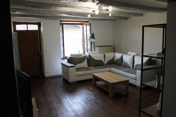 Le salon donne sur la rue du moulin - Houdelaucourt-sur-Othain