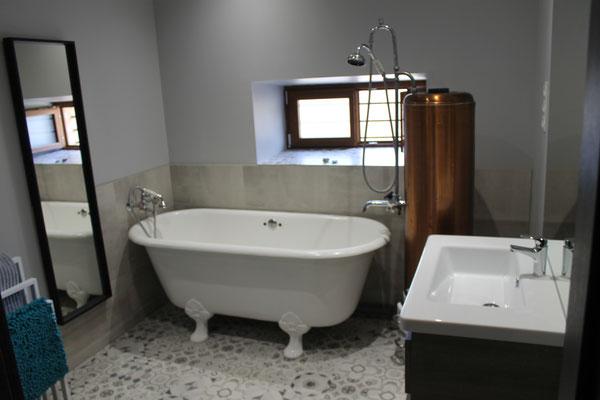 Baignoire - Chauffe-eau d'époque
