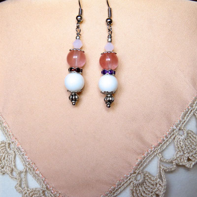 15. Boucles d'oreilles : Agate blanche & Tourmaline rose ; CHF 25.