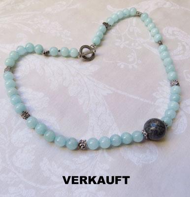 58. Halskette: Labradorit und Süßwasserperlen; 45 cm; CHF 85.