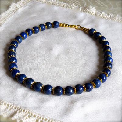 53. Collier: Lapis lazuli; 45 cm; CHF 80.