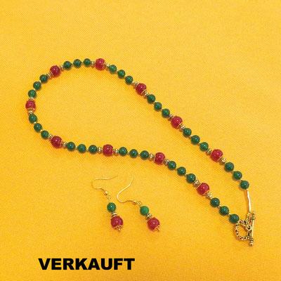 48. Collier, 45 cm und Ohrringe: Jade und Karneol; CHF 90. - VERKAUFT